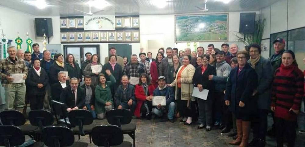 Câmara de Vereadores  homenageou os Produtores Rurais do município